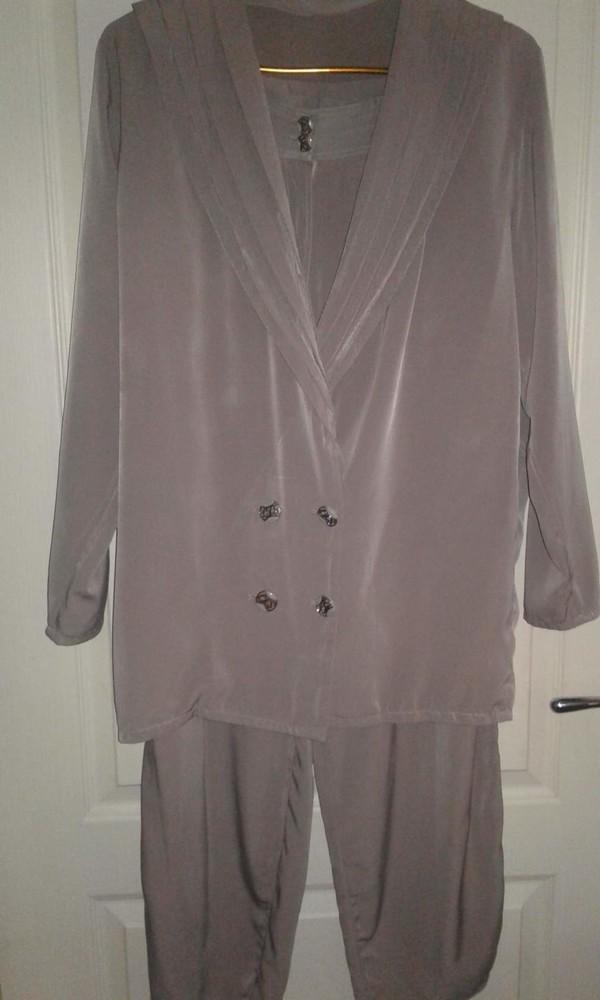примеру, костюм из мокрого шелка фото тон удивительное
