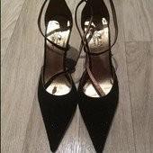 Туфли чёрные со стразами на носках