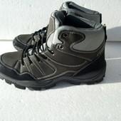 Новые демисезонные ботинки 40,41