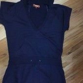 Женское спортивное платье с капюшоном тёмно-синего цвета и карманом кенгуру . Размер L