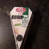 Вкусненький сыр Mlekovita Brie 125 г.Польша