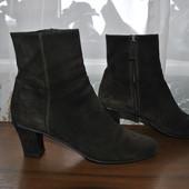 Оригинал,кожа замш ботиночки бренда Prada(Милан) р 38.5 ст 24.5 см