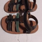 Босоножки Andre кожаные (12.7 см стелька)