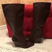 Високі чоботи із натуральної шкіри,від Minelli,розмір 36