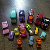 Машинки одним лотом железные.