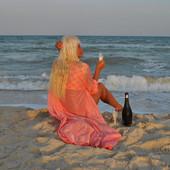 Халатик-накидка, эффектно на пляж.