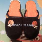 Красивые тапульки,текстильные,детские отличная,домашняя обувь!17см стелька