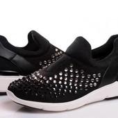 Останні дуже класні кросівки.Дорога закупка.