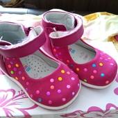 Закрытые туфли для девочки. Б/у. 19 размер-12 см