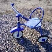 Подарите ребенку радость.Крепкий, металлический велосипед на 1.5-4 г. Цена в магазине 570 гр.