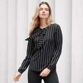 Черно-белая полосатая блуза с завязками от Tchibo (Германия), 46 евро (наш 52р)
