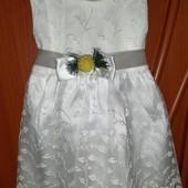 Новое нарядное платье на девочку 9-12 месяцев(смотрите замеры)