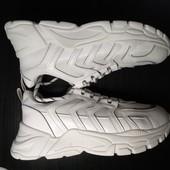 Белые кроссовки 24,5 см