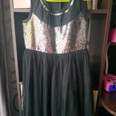 Красивенное фирменное платье на девочку 8-10лет!