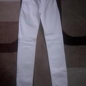 Женские белые джинсы