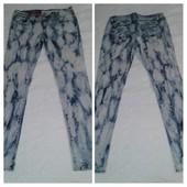 Стильные джинсы Internacionale в сине-голубых разводах,uk-14/еur-42