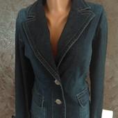Джинсовый пиджак,в очень хорошем состоянии,см.замеры.
