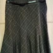 Шикарная фирменная юбочка. По 12р. 33% вискозы. Не ношеная.