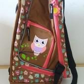 Фирменная сумка -рюкзак  из Европы  3 в 1   очень крутая много отделений  есть для обуви отдельно
