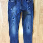 Стильні джинси в іідеалі)