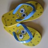 Фирменные новые вьетнамки для малышей длина 15, 5 на ножку 14-15см.