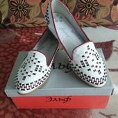 Отличные туфельки размер 35-36 Можно в школу)
