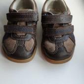 Туфельки кроссовки кожаные Clarks на мальчика