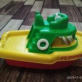 Большой кораблик для водных игр