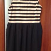 Фирменное летнее платье р. 16 отличное состояние.