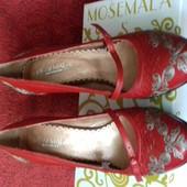 Красные кожаные туфли р.37 (новые)