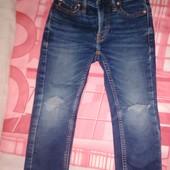 Фирменные качественные джинсы рванки на мальчика 3\4 98-104