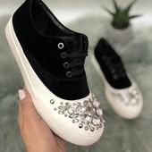 Шикарные кроссовки с камнями!!! Качество!!! 39р=25см