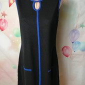ЛоВиЛоТы! Черное трикотажное платье с ярко-синей отделкой