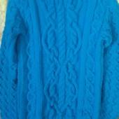 Дорогий вязаний светир теплий.