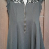 Фирменное красивое платье из дайвинга и ажура в отличном состоянии р. 14