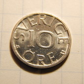 Монета. Швеция. 10 эре 1984 года.