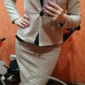 костюм юбка+пиджак 44-46