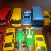18шт машинок и игрушек разных