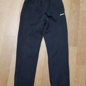 Теплые спортивные штаны на 10-12 лет