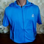 Мужская футболка с капюшоном от бренда Adidas. Качество, фирма!! Размер на выбор.
