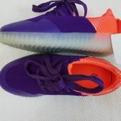 Детские кроссовки унисекс на 30 размер