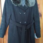 Продам пальто 46 размер.