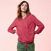 Куртка-ветровка ягодного цвета в стиле casual от Tchibo(Германия), размеры наши: 48-50 (42 евро)