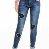 Женские джинсы с декоративными вставками и заклёпками!Ботальная моделька