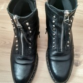 Шкіряні черевички.