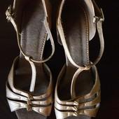 Танцевальные туфли. Бронза