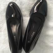 Лакові туфлі 26 см.
