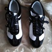 Женские кроссовки D&G. Размер 36 - 23 см.
