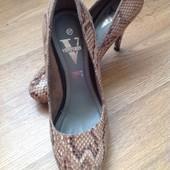 Фирменные туфельки