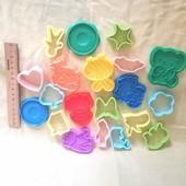 Милые детские игрушки, шлем и книги и формочки 1 на выбор победителя
